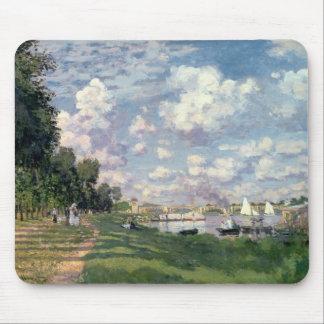 The Marina at Argenteuil, 1872 Mousepad