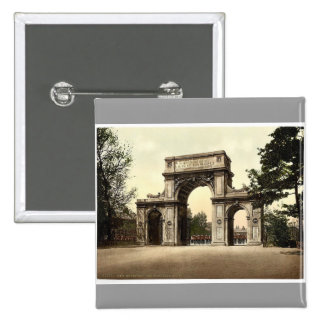 The Memorial Arch, New Brompton, England magnifice Pinback Buttons