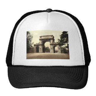 The Memorial Arch, New Brompton, England magnifice Trucker Hat
