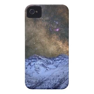 The milky way over the high mountains carcasa para iPhone 4 de Case-Mate