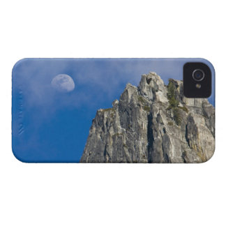 The moon rises and shines through the clouds Case-Mate iPhone 4 case