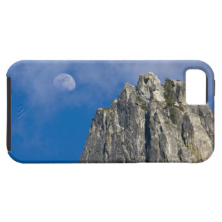 The moon rises and shines through the clouds iPhone SE/5/5s case