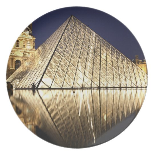 The night view of the glass Pyramid of Musee du Dinner Plate