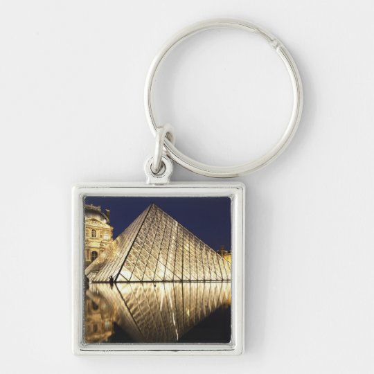 The night view of the glass Pyramid of Musee du Keychain