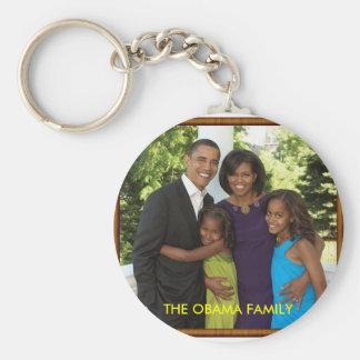 THE OBAMA FAMILY BASIC ROUND BUTTON KEYCHAIN