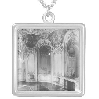 The Oval Salon decorated with the story of Silver Plated Necklace