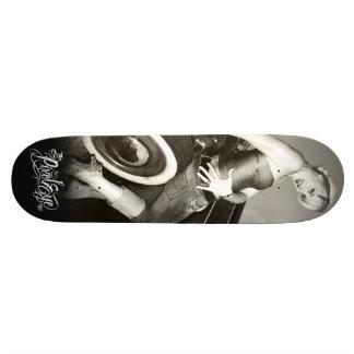 The Pixeleye - Pin-Up I Skateboard