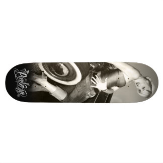 The Pixeleye - Pin-Up I Skateboards