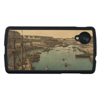 The Port Militaire II, Brest, France Carved® Maple Nexus 5 Case