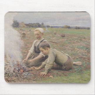 The Potato Gatherers, 1898 Mouse Pad