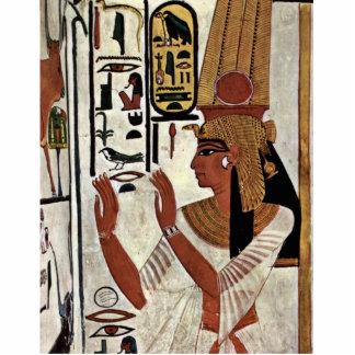 The Queen Nefertari In Prayer Stance By Maler Der Statuette
