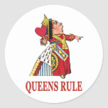 THE QUEEN OF HEARTS DECLARES QUEENS RULE CLASSIC ROUND STICKER