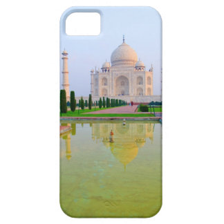 The quiet peaceful World Famous Taj Mahal at iPhone 5 Cover