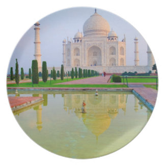 The quiet peaceful World Famous Taj Mahal at Dinner Plate