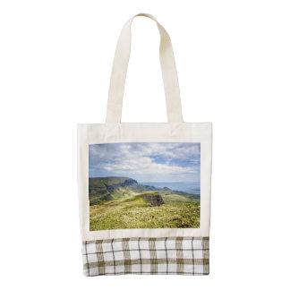 The Quiraing, Isle of Skye Zazzle HEART Tote Bag