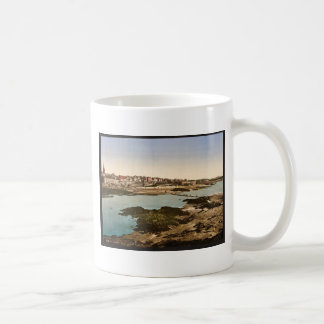 The ramparts from Grand Bey, St. Malo, France clas Mug