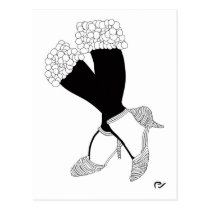 artsprojekt,fashion,woman,illustration,design,feet,legs,shoes,feminine,art,shoe,classic,foot,girl,home,minimalism,wall,decor,black,white,stand,balance,glamour, Cartão postal com design gráfico personalizado