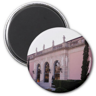 The Ringling Magnet