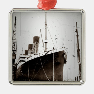 The RMS Olympic (1929) Metal Ornament