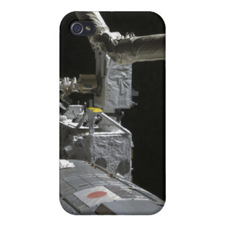 The robotic arm of the Japanese Experiment Modu iPhone 4/4S Case