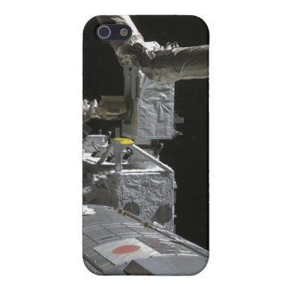 The robotic arm of the Japanese Experiment Modu iPhone SE/5/5s Cover