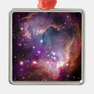 The Small Magellanic Cloud Metal Ornament