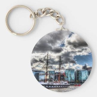 The Stavros N Niarchos London Basic Round Button Keychain