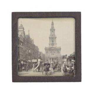 The Strand, c.1880 (sepia photo) Premium Gift Box