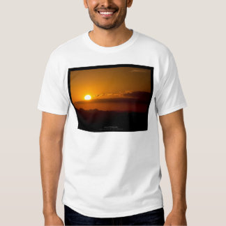 The sun 003 - Sunset at the mountains T Shirt
