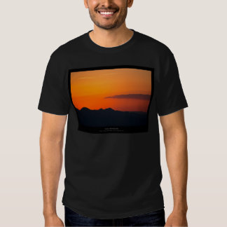 The sun 005 - Sunset at the mountains T Shirt