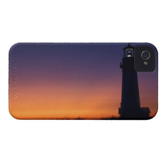The sun ball drops down on the colorful horizon Case-Mate iPhone 4 case