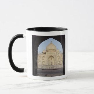 the Taj Mahal framed in the Mehmankhana doorway Mug