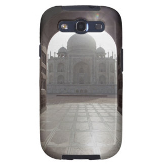 The Taj Mahal framed through the doorway to the Galaxy SIII Cover