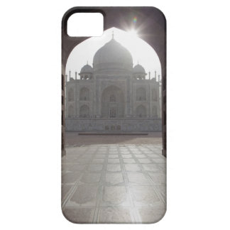 The Taj Mahal framed through the doorway to the iPhone SE/5/5s Case