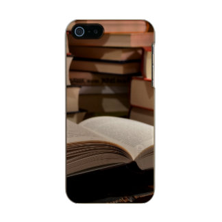 The TBR Book Stack Metallic Phone Case For iPhone SE/5/5s