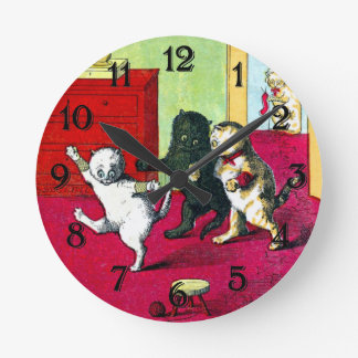 The Three Little Kittens Round Clock