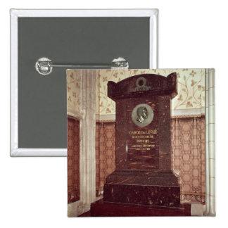 The tomb of Carl Linnaeus Button