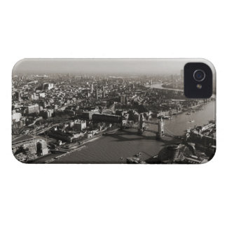 The Tower and Tower Bridge, London - B&W iPhone 4 Cover