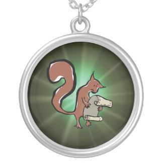 The treasure hunter round pendant necklace