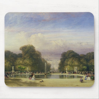 The Tuileries Gardens, with the Arc de Triomphe in Mouse Pad