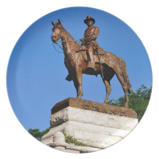The Ulysses S. Grant statue atop the Grant Plate