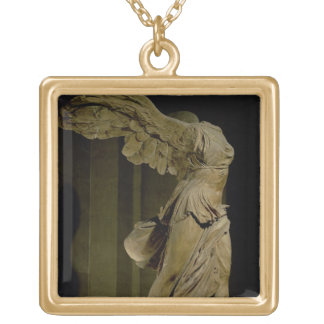 The Victory of Samothrace (Parian marble) (see als Square Pendant Necklace
