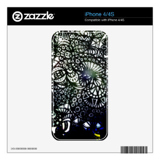 The Winding Worm A2 Skin For The iPhone 4S