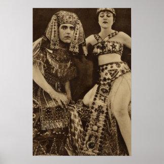 Theda Bara en poster de película muda de Cleopatra