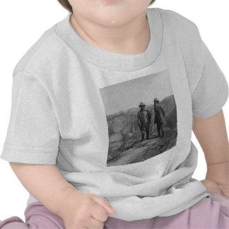 Theodore Roosevelt y John Muir en punto del glacia Camisetas