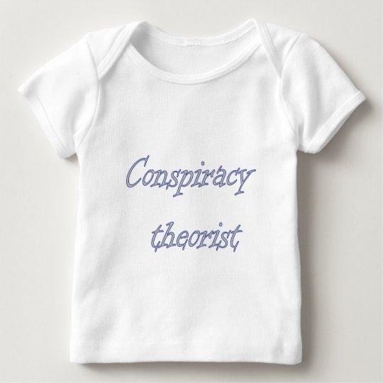 therorist conspirary playera de bebé