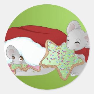 Thiefing y ratones tímidos del navidad etiqueta redonda