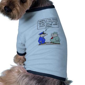 thin person struggling under arrest pet t-shirt