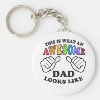 This Is What An Awesome Gay Dad Looks Like Keychain