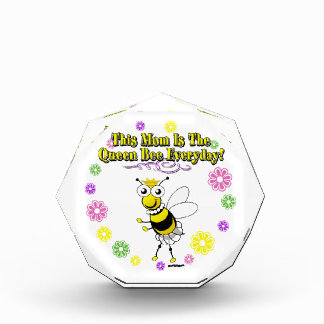 This Mom Is The Queen Bee Everyday Bee Flower Ring Award